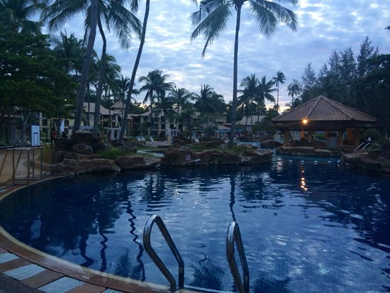 Nirwana Gardens - Nirwana Resort Hotel : Pool view
