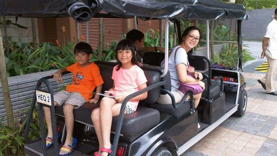 Resort World Sentosa - Beach Villas™ : A great experience. A golf cart was ready to take us to our room at Ocean Suites.