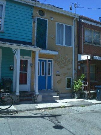 Savour Toronto : Kensington Place - M.C. Escher house