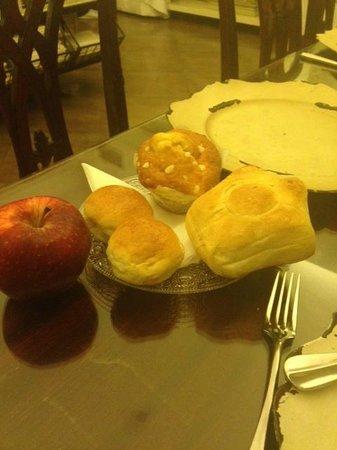 Hotel Adriano : More breakfast