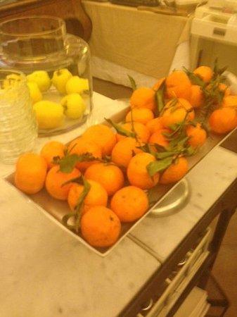 Hotel Adriano : Such fresh fruit
