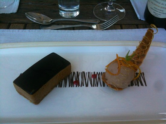 Walnut Grove Cookery School: Dessert made by our team with our plating