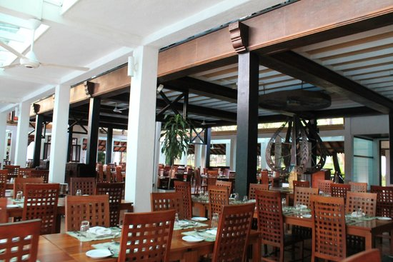 Cinnamon Lodge Habarana: Main restaurant