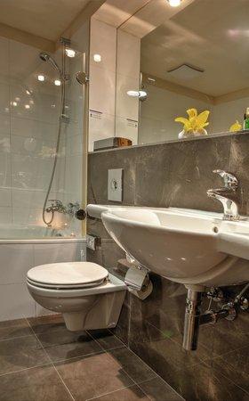 Hotel Majestic Plaza Prague: Bathroom