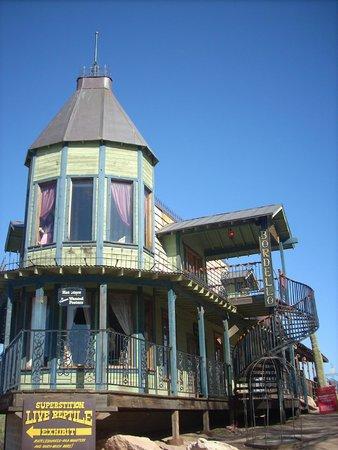 Goldfield Ghost Town : Lu Lu's is calling!!