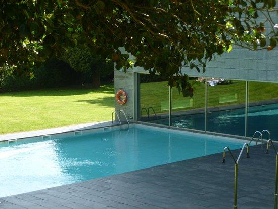 NH Collection Santiago de Compostela: Pools