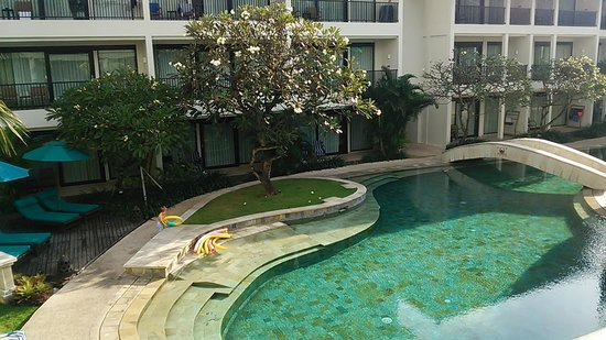 Radisson Bali Legian Camakila: The pool