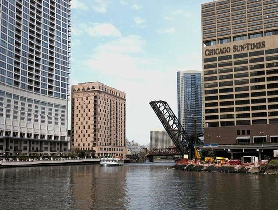 Chicago Water Taxi: River Scenes On The Way