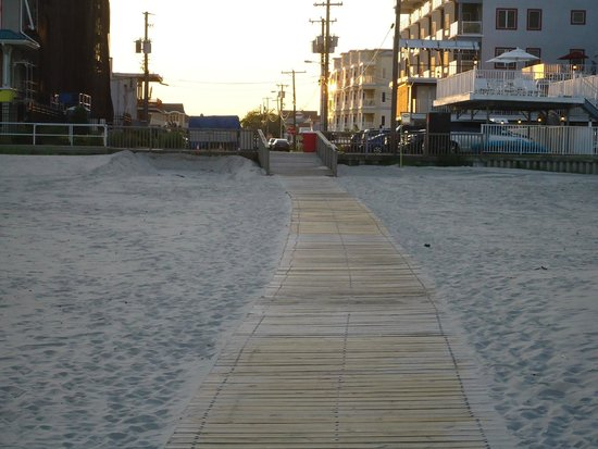 Astronaut Motel: Path from the beach to Motel