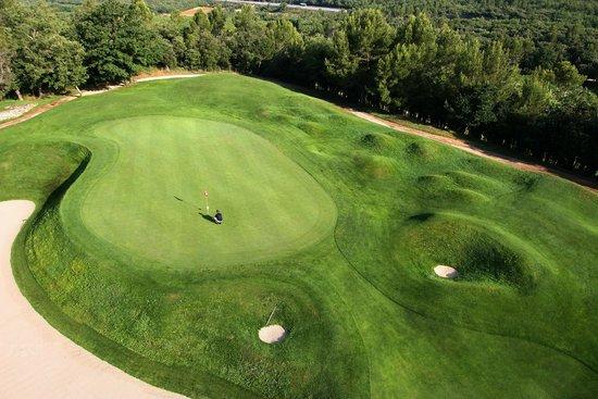 Golf Club Barbaroux: Green du Trou N°14