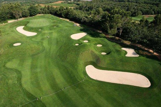 Golf Club Barbaroux: Vue Aérienne du 14