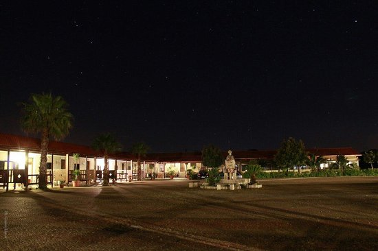 Corallo Eco Wellness Hotel: Foto notturna