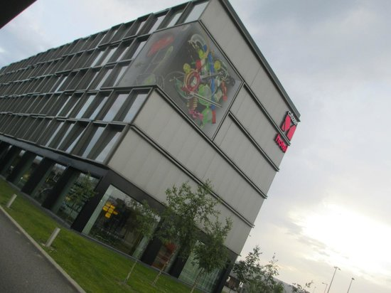citizenM Schiphol Airport: The hotel