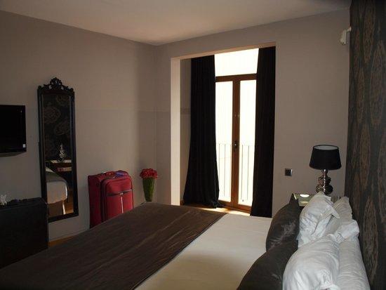Splendom Suites: Back bedroom