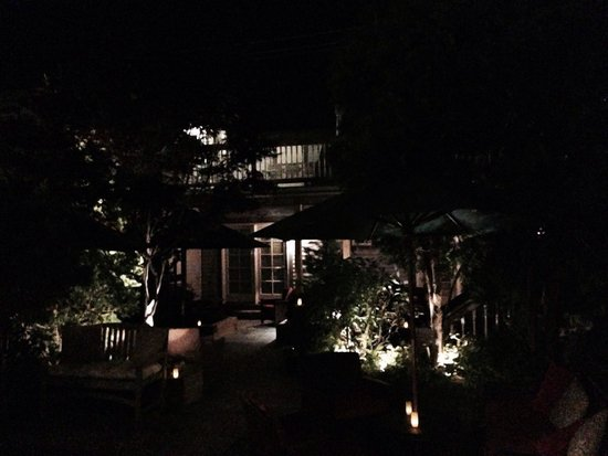 Carpe Diem Guesthouse & Spa: Evening