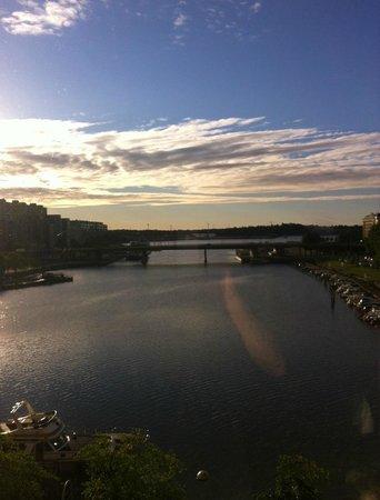 Hilton Helsinki Strand: evening veiw from the room window