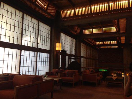 Yorozuya Honkan: フロント辺りは素敵な感じ