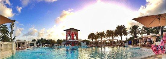 Sandals Grande Antigua Resort & Spa : Med Village main Pool