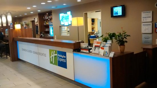Holiday Inn Express Munich Airport: Reception hall
