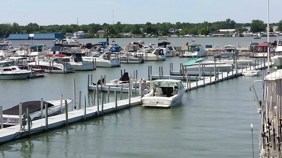 Crabby Joe's Dockside : View from the upper deck