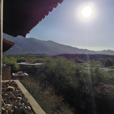 Westin La Paloma Resort and Spa: Mountain View from my room