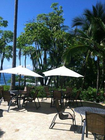 Ylang Ylang Beach Resort: Patio Area