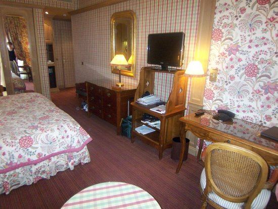 Chambiges Elysees Hotel: Room #301