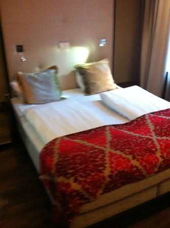 Clarion Collection Hotel Folketeateret : letto