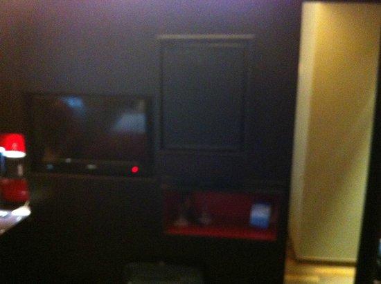 Clarion Collection Hotel Folketeateret: tv e frigo bar