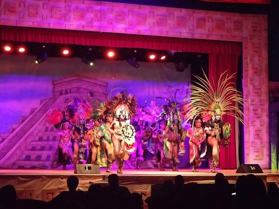 Iberostar Cancun: Monday night Mexican show
