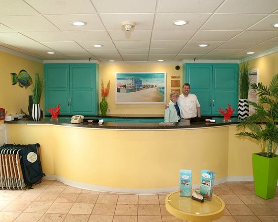 Cayman Suites: Hotel Lobby