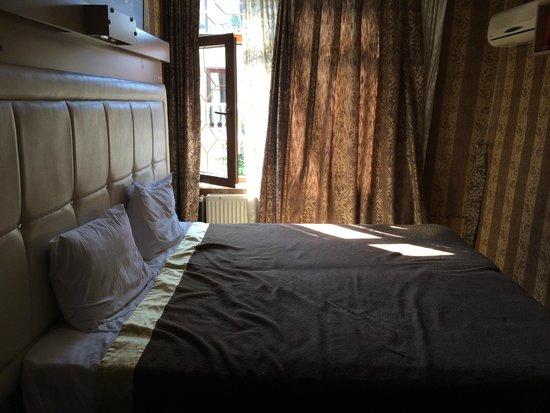 Ocean's 7 Hotel : Room 302