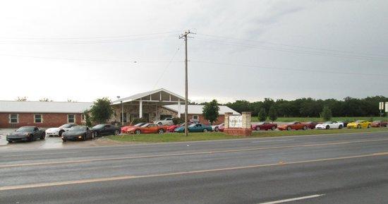 The Veranda Inn: Our Trompin' Thru Texas Corvette group from California heads out
