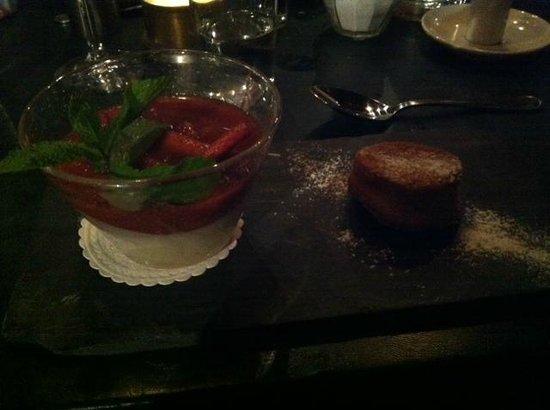 Grill: Rhubarb vanilla pudding