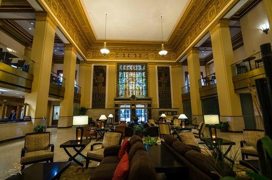 Drury Plaza Hotel Riverwalk: The main lobby of the hotel.