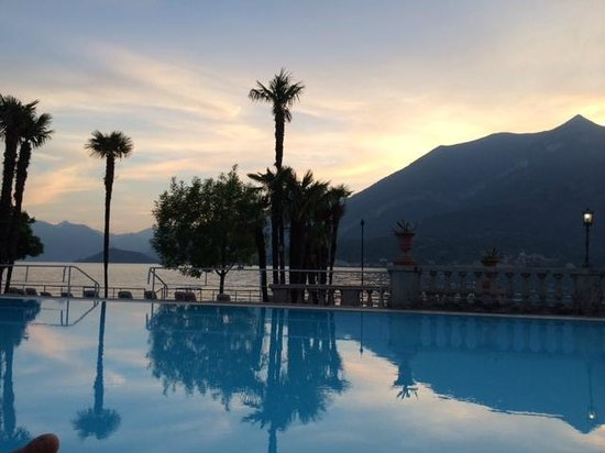 Grand Hotel Villa Serbelloni: Apertivo by the pool