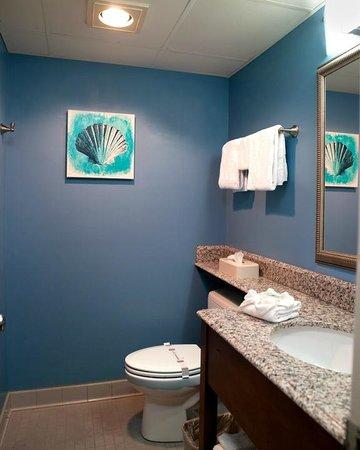 Cayman Suites: Bathroom