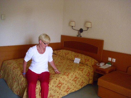 Athos Palace Hotel: ältere Möbel
