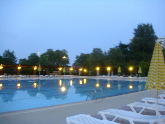 Athos Palace Hotel: großer Pool
