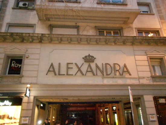 Alexandra Barcelona A DoubleTree By Hilton : Outside sipping wine at a bistro across from Alexandra
