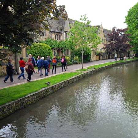 Cotswold Way: Bourton-on-the-Water
