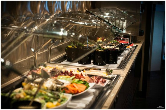 O'Brians Restaurant & Grill: Soup & Salad Bar