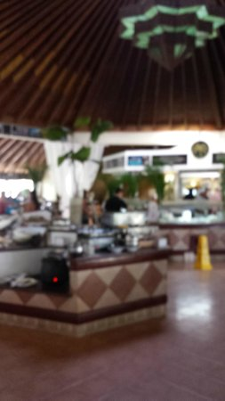The Tropical at Lifestyle Holidays Vacation Resort: The buffet.
