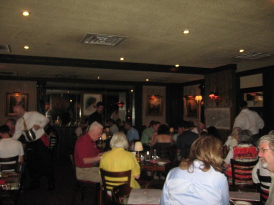Sperry's Restaurant: Main seating area