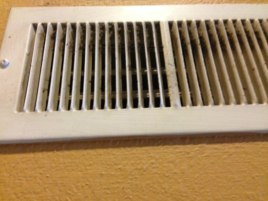 Hawthorn Suites by Wyndham Detroit Southfield : Dirty dusty vents