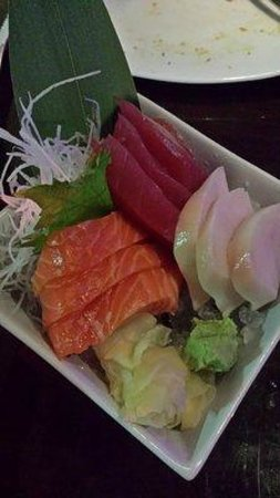 Tee Jay Thai Sushi in Wilton Manors : Sashimi Bowl
