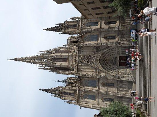 Catedral de Barcelona : Le fronton