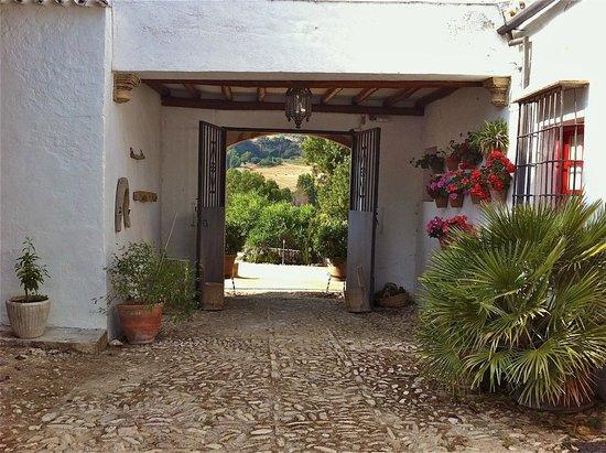 Cortijo de Las Piletas: Cortijo entrance