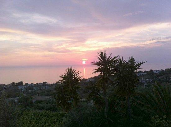 Agriturismo La Pergola: tramonto dalla veranda