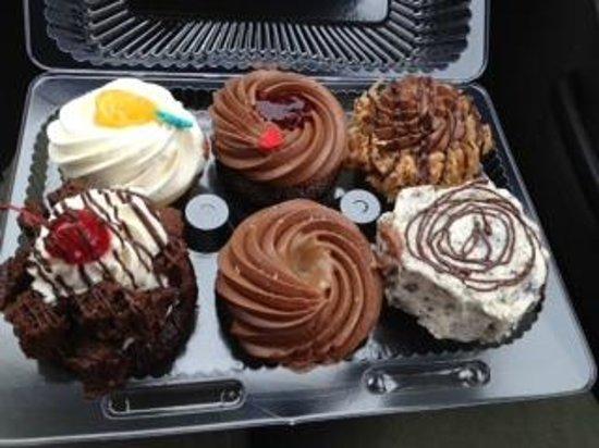 Pudge Cakes : Pudge Cake assortment